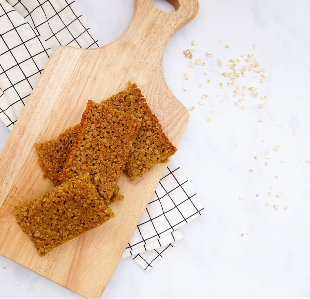 The quickest and easiest #vegan #flapjacks recipe, perfect for #lunchboxes or #breakfast