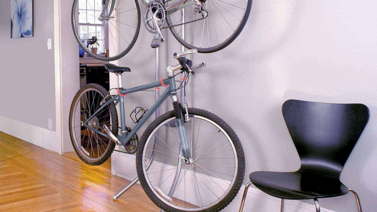 A Bike Rack That Relies On Basic Physics, Not Screws, To