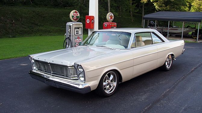 Check Out This Beautiful 1965 Ford Galaxie 500 Restomod Ford Galaxie 500 Ford Galaxie Galaxie 500