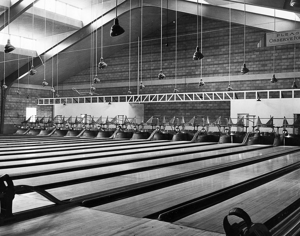 AMF Ritz Bowling Alley Indoor basketball court