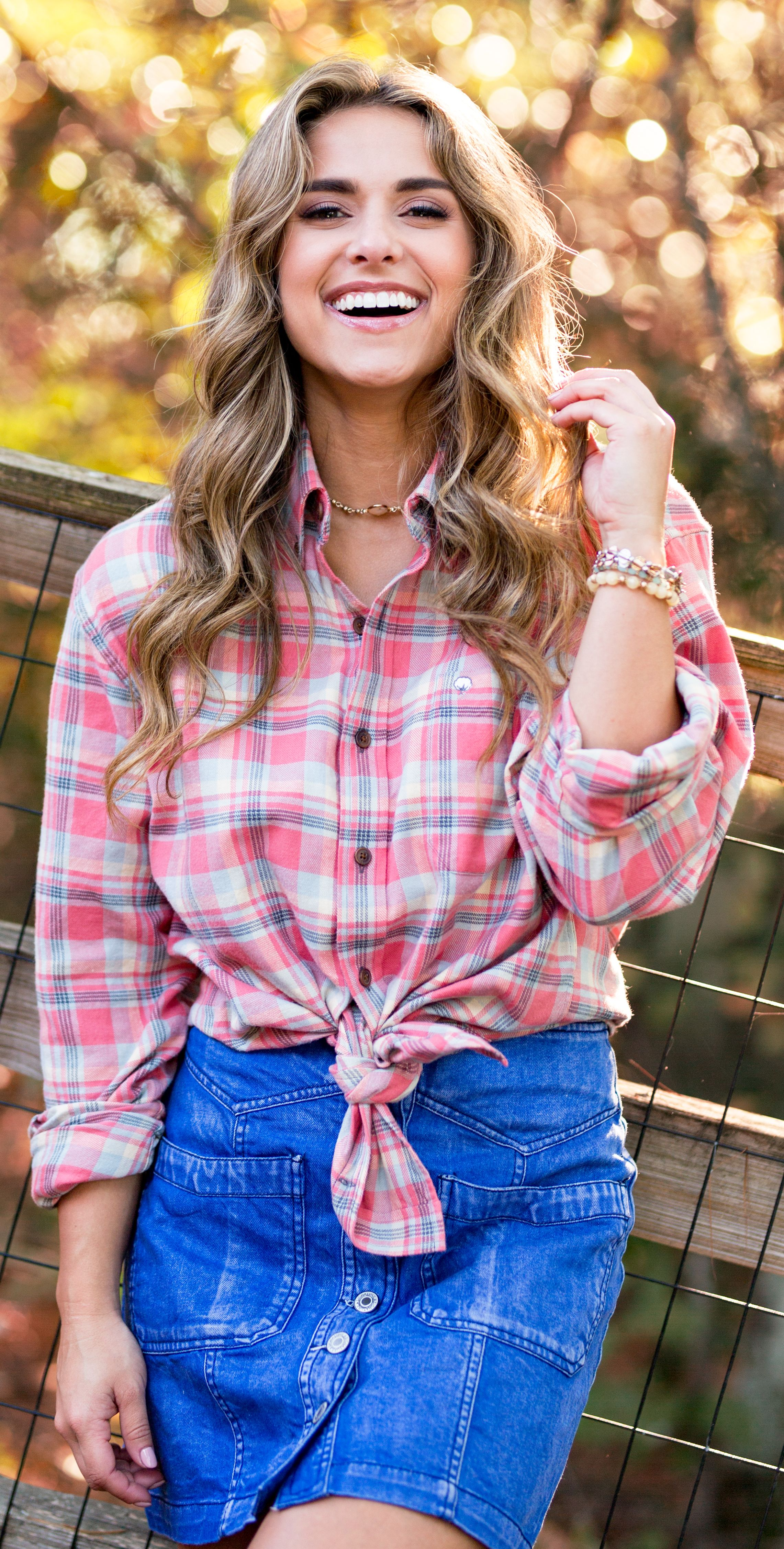 Flannel shirt outfit women  Kennesaw Flannel  Flannel outfits Flannels and Comfy