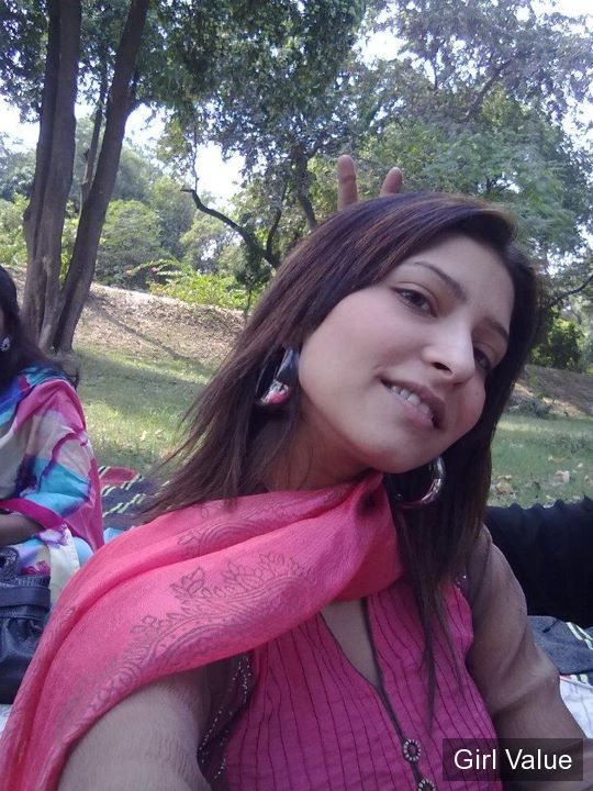 Pakistani Girl in Pink Salwar Kameez