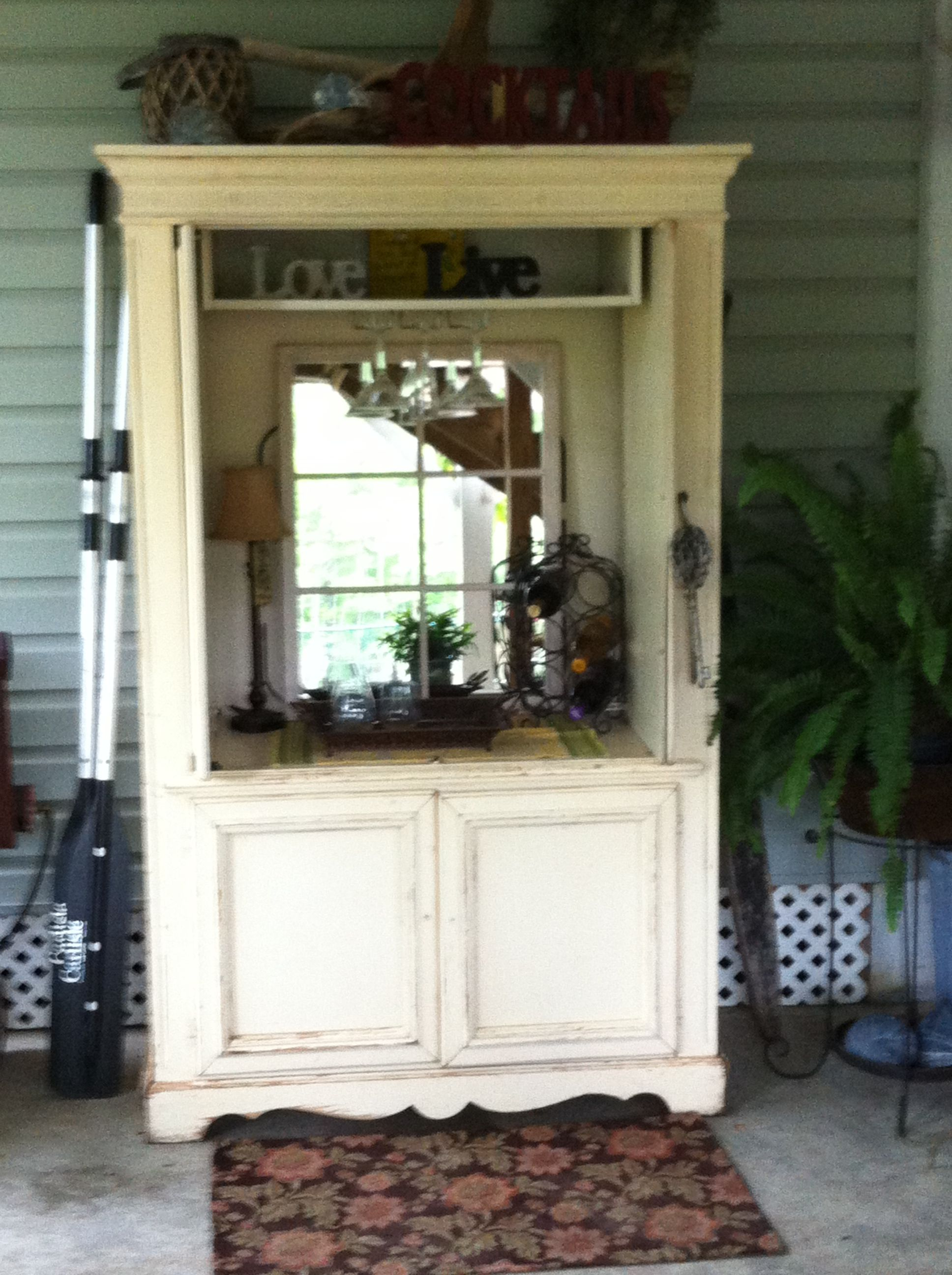 Superieur Repurpose An Old TV Armoire Into A Beautiful Outdoor Piece! Perfect For A  Mini Bar