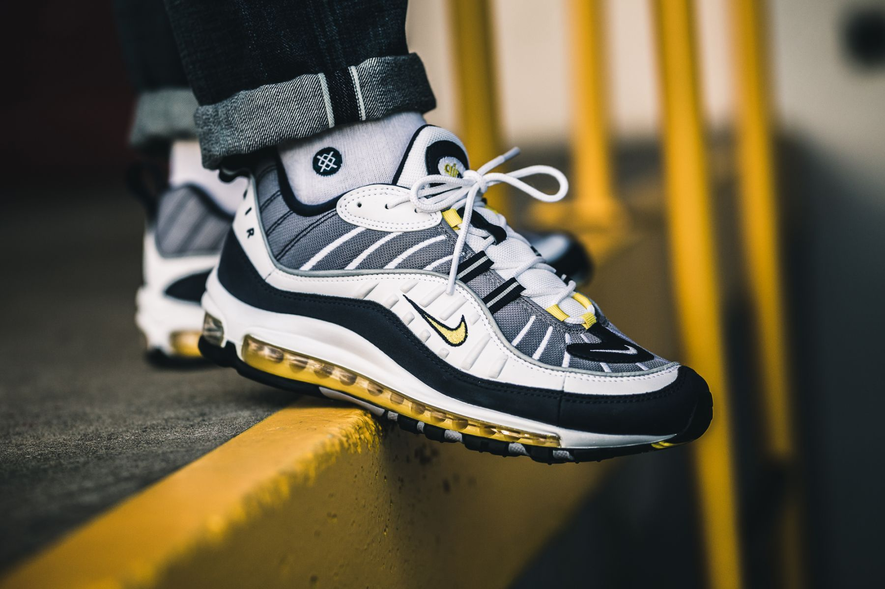Nike Air Max 98 Tour Yellow | Chaussures nike, Chaussure, Nike