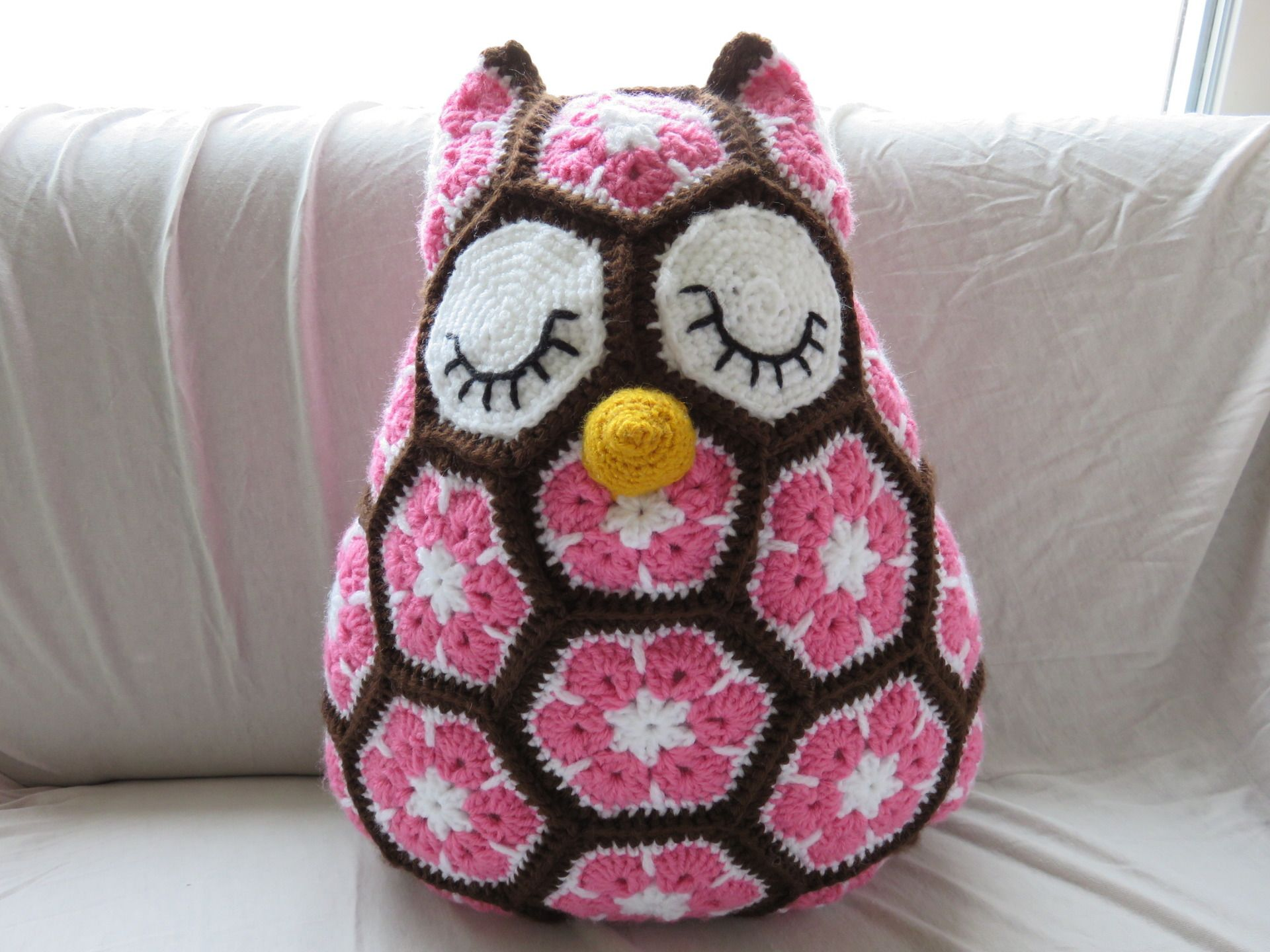 doudou coussin hibou chouette fait main au crochet jeux. Black Bedroom Furniture Sets. Home Design Ideas