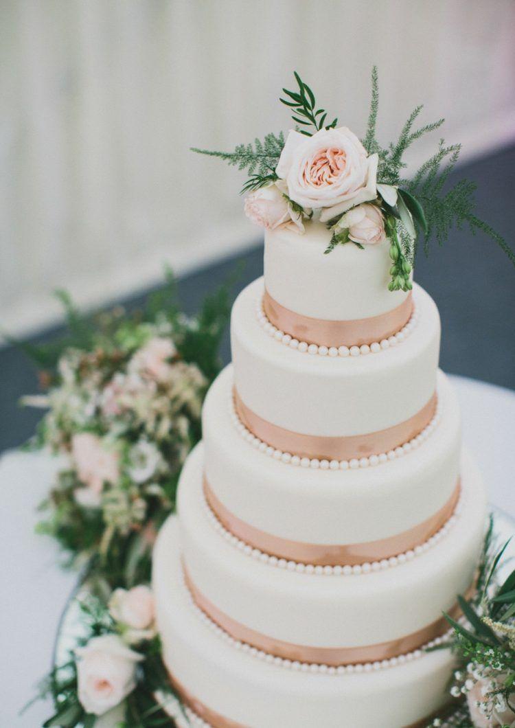 Deko Hochzeit Idee Hochzeitstorte Perlen Rose Stilvoll Cakes And