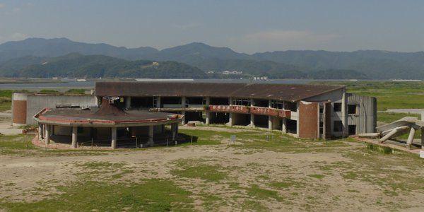 2011年の東日本大震災で、学校管理下で児童74人と教職員10人が亡くなった石巻市立大川小学校。