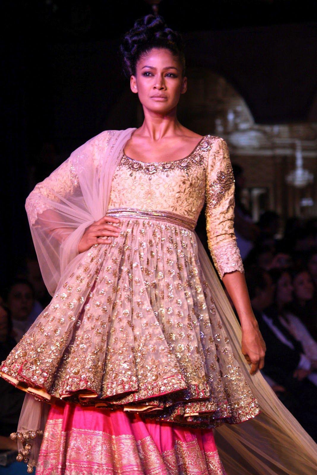 manish malhotra | Manish Malhotra at DCW | PCJ Delhi Couture Week ...