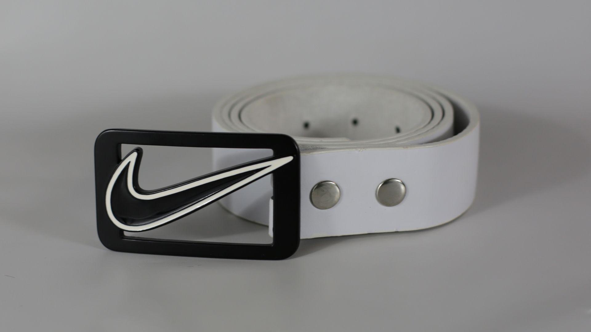31446e1a50b3f1 Nike Swoosh Logo Enamel Golf Belt Buckle with White Leather Belt XL 42