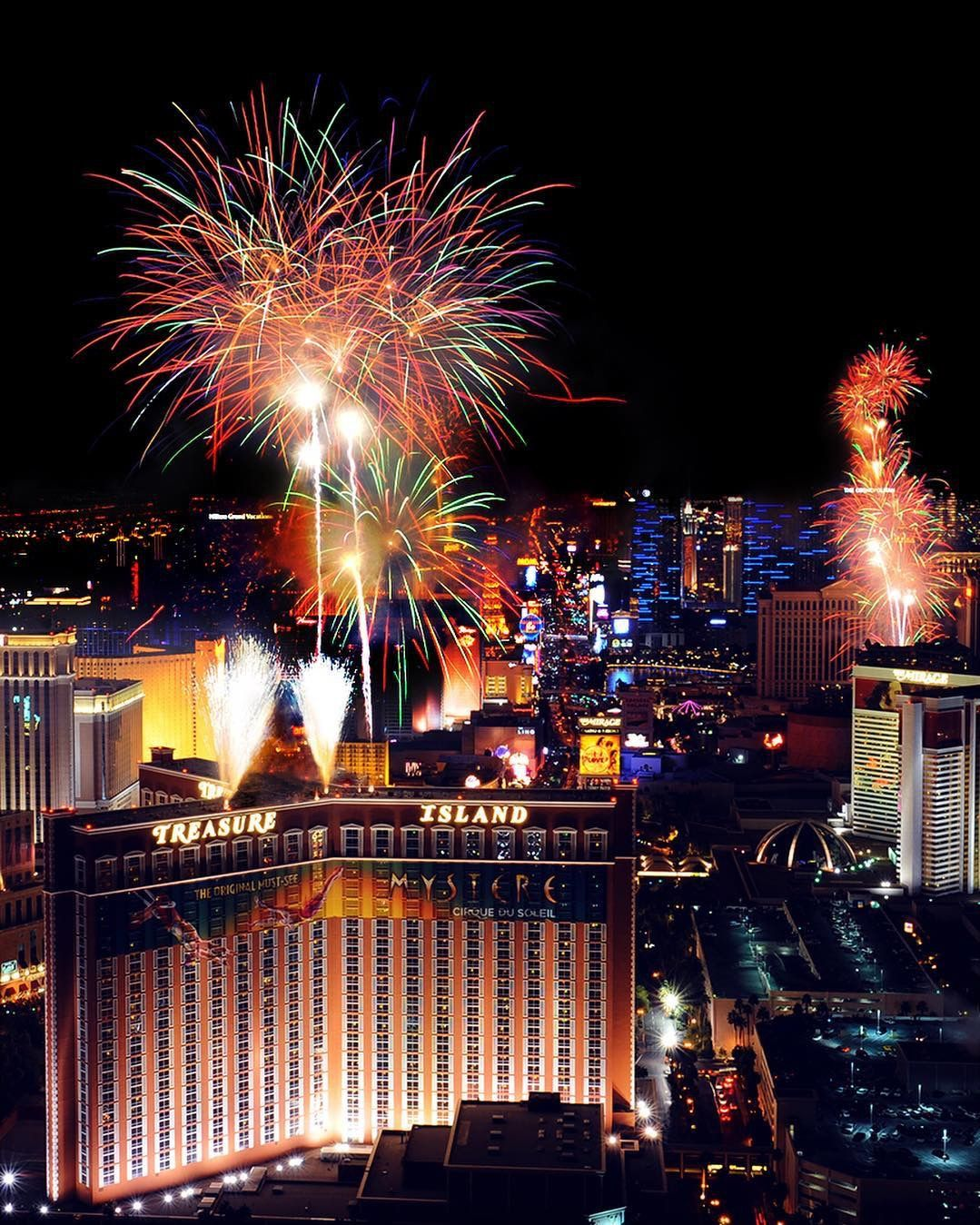 New Year's Eve Las vegas hotels, Las vegas shows, Vegas