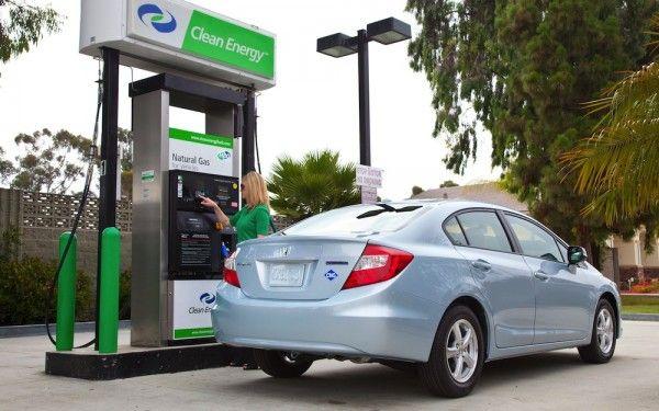 Honda Gives Natural Gas Civic Drivers 3 000 Worth Of Fuel Honda Civic Civic Car