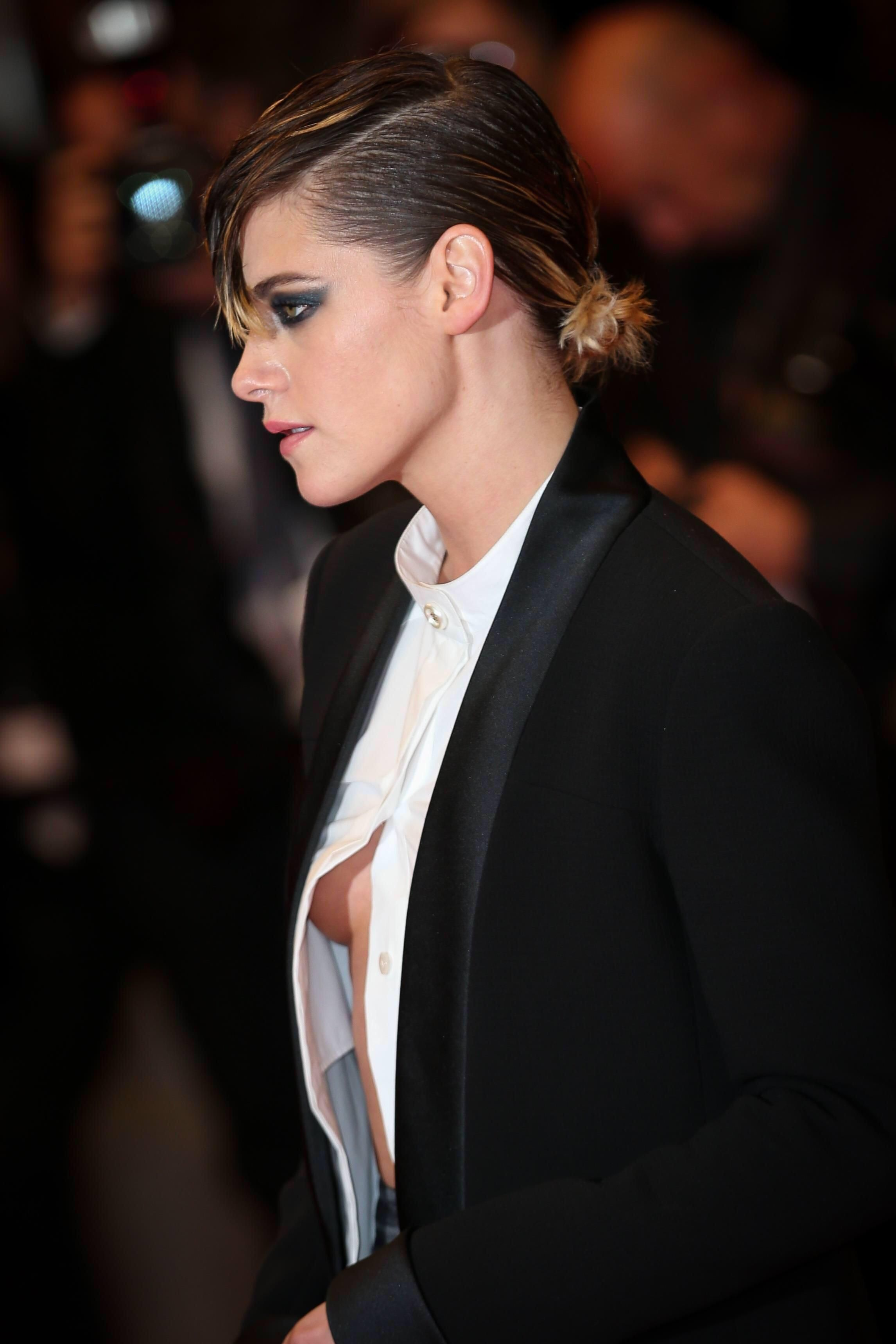 Kristen Stewart Paparazzi Sexy Pokies Photos - NuCelebs.com