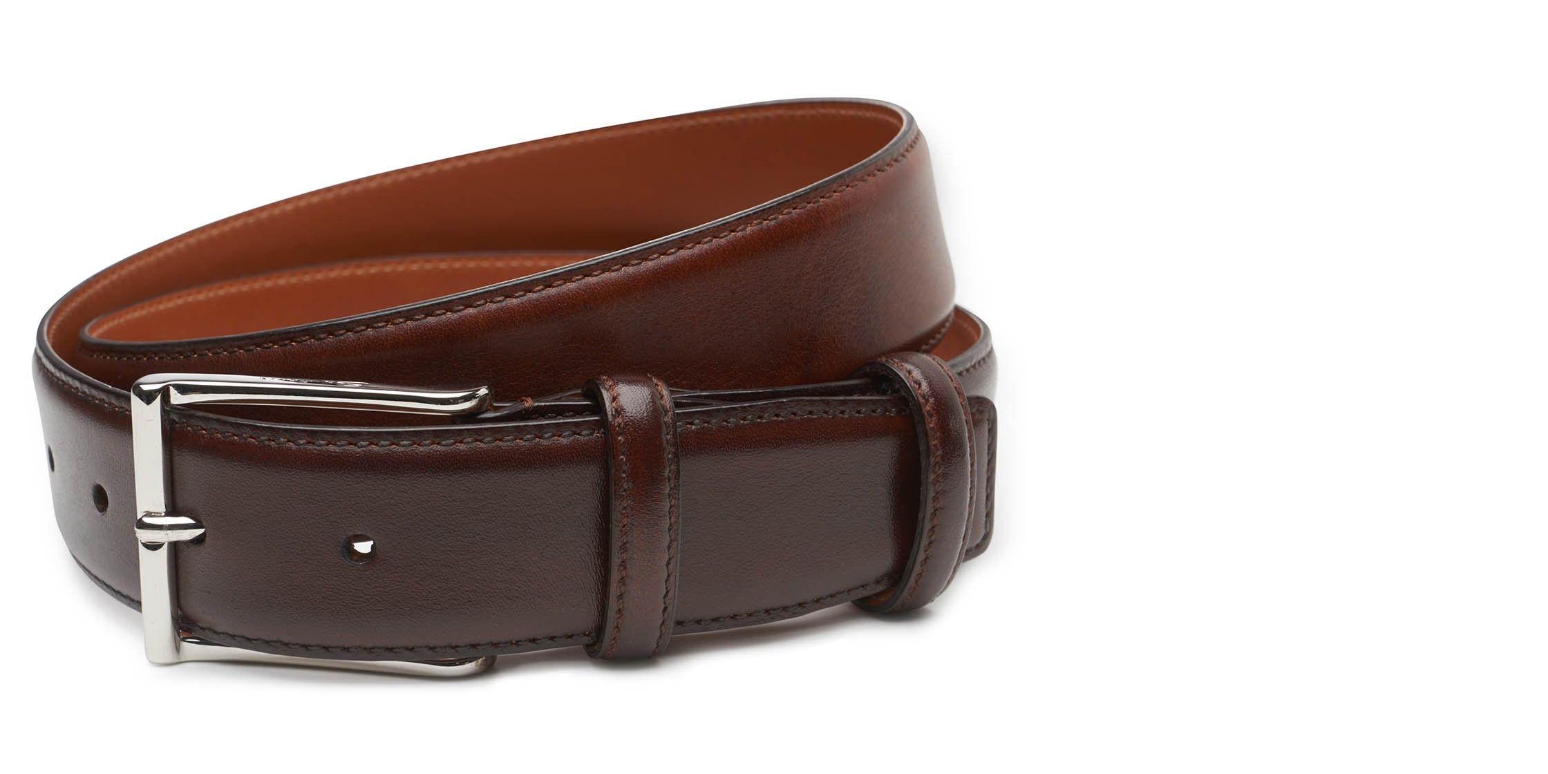 Classic belt made of smooth leather by Santoni. http://www.braun-hamburg.com/santoni-guertel-dunkelbraun-108.html