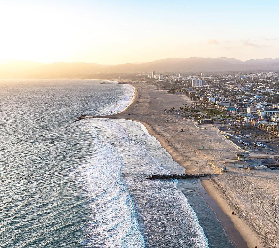 California Coast #lostinla #pch #venice #santamonica #lostinla #copterpilot (at Venice, California)