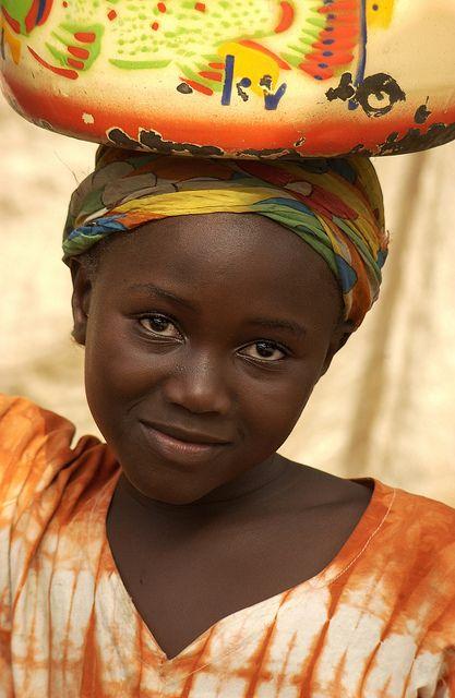 menina da Costa do Marfim