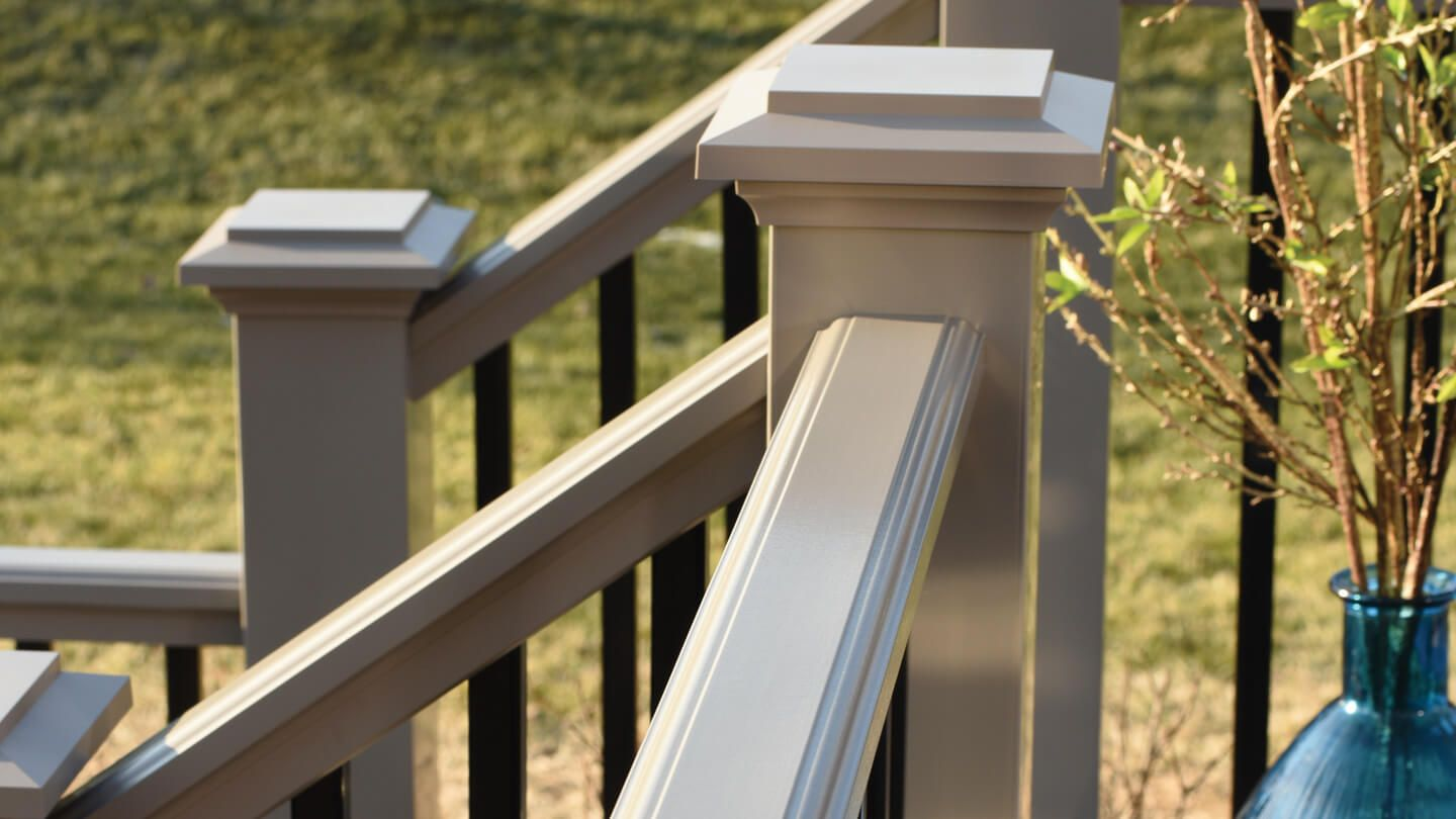 the fence and decking company,the average cost of a square