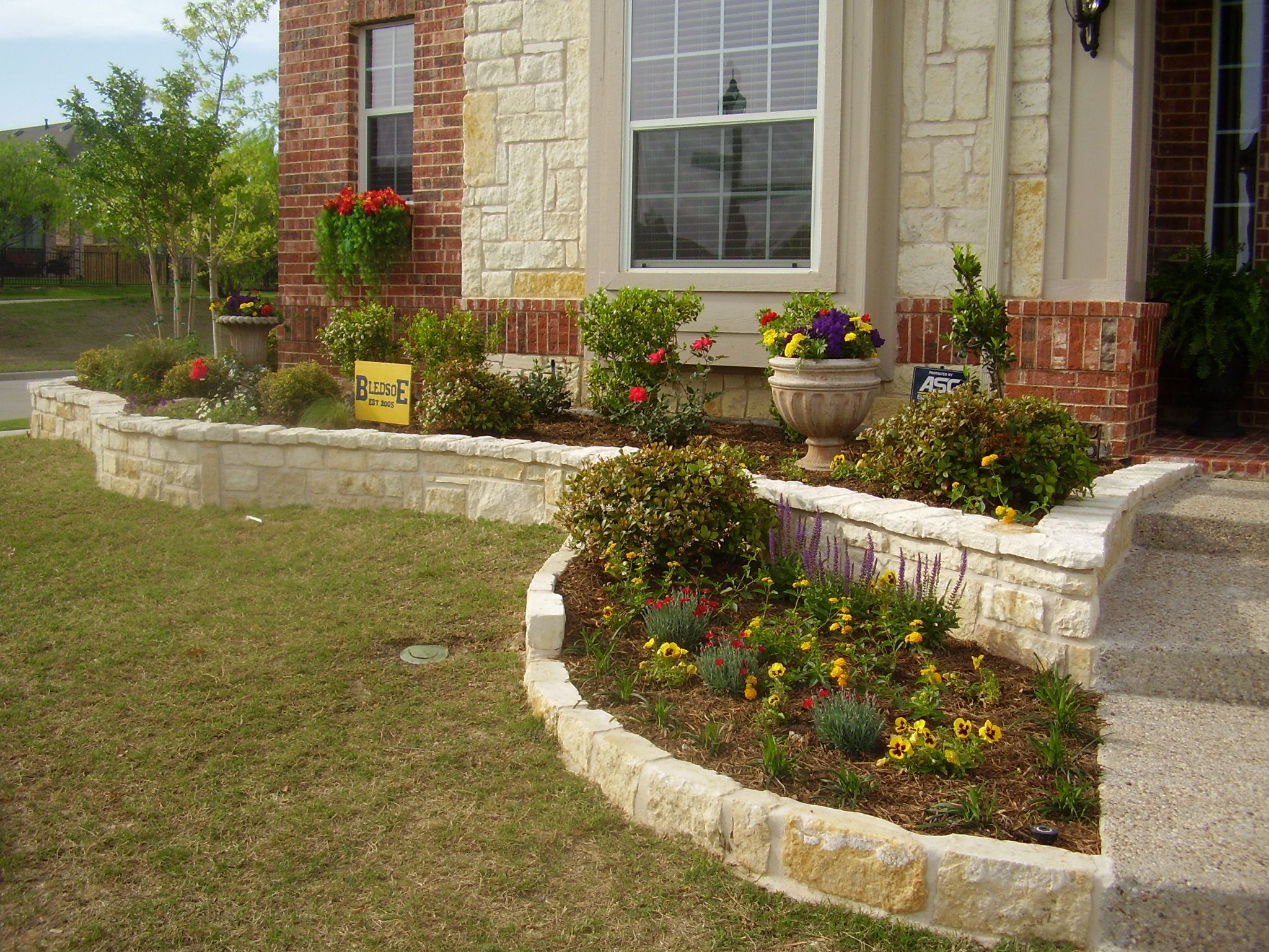 stacked stone garden border - Google Search | Walls and Borders ...