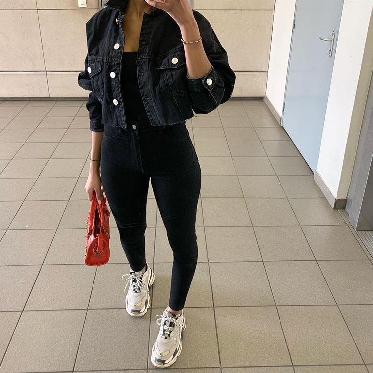 Lisa Mowery- Jones.nxsh sur Instagram: Outfit-Detail auf meinen 21 Tasten