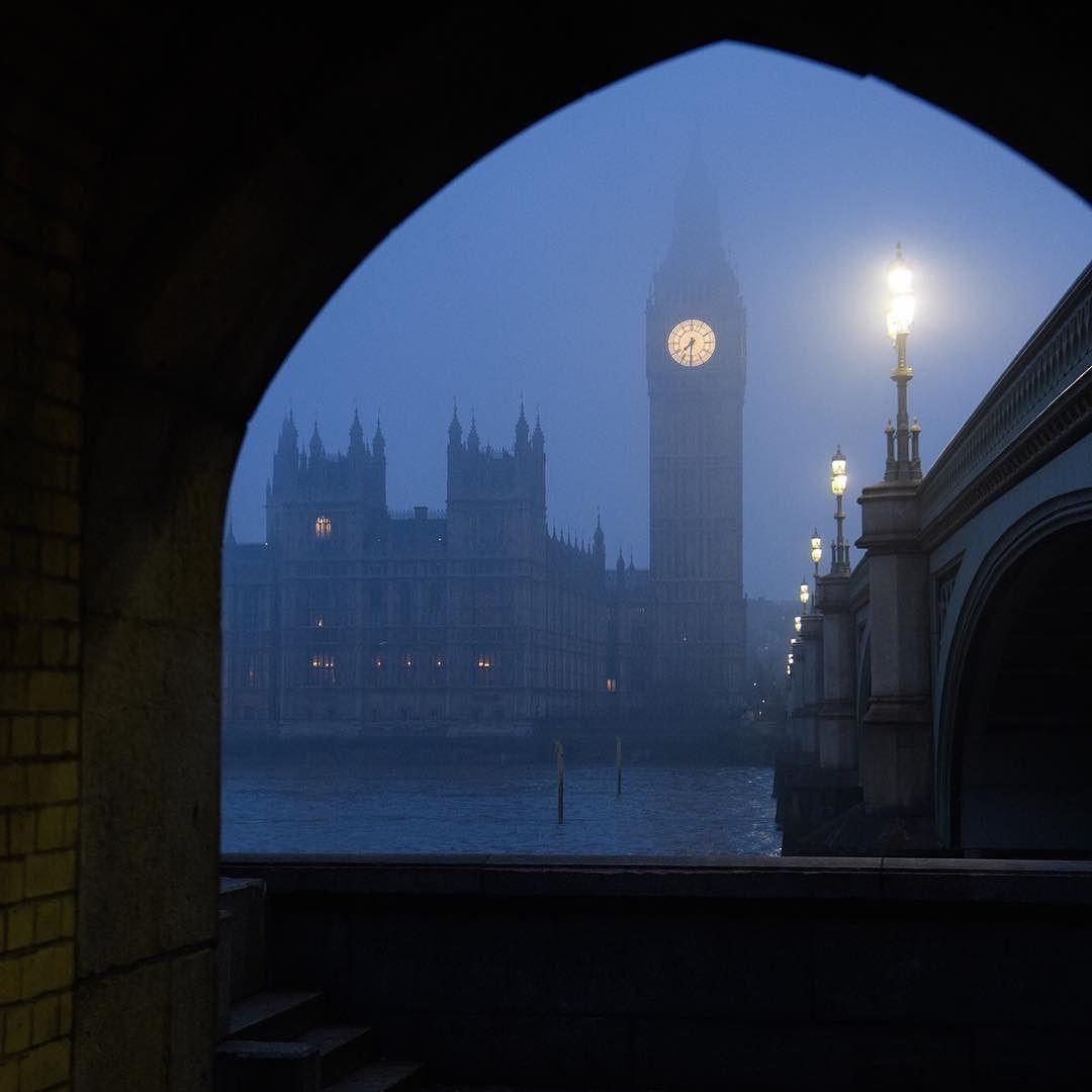 صباح الخير من بي بي سي عربي هنا لندن بالصور بريطانيا لندن Photo Leon Neal Getty Images Instagram Travel Photos Photo
