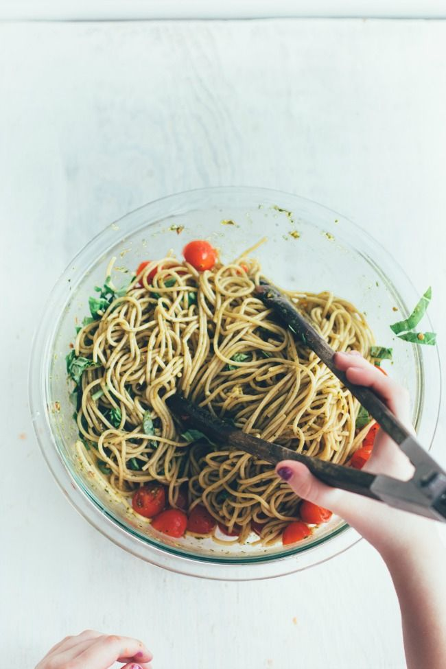 /// whole wheat pasta with balsamic-spinach-basil dressing | the vanilla bean blog