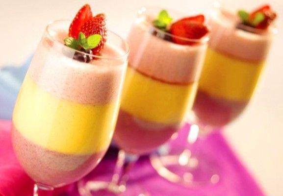 Copa De Crema De Frutas Tres Colores Tres Sabores Recetín Receta Crema De Fruta Postres Con Frutas Recetas Fáciles