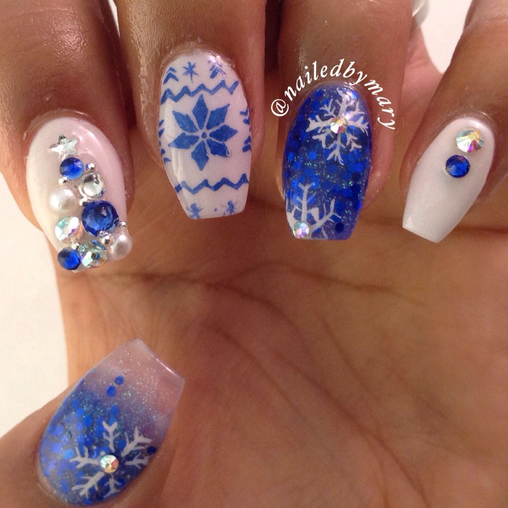 Blue Winter Snowflakes Sweater Coffin Style Christmas Nails Blue Christmas Nails Christmas Nails Manicure Inspiration