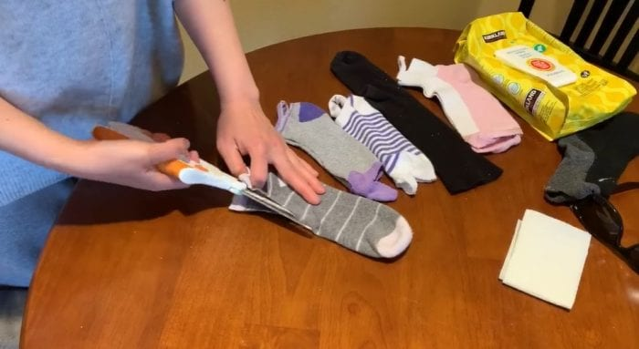 Photo of How To Make A Face Mask Using A Sock