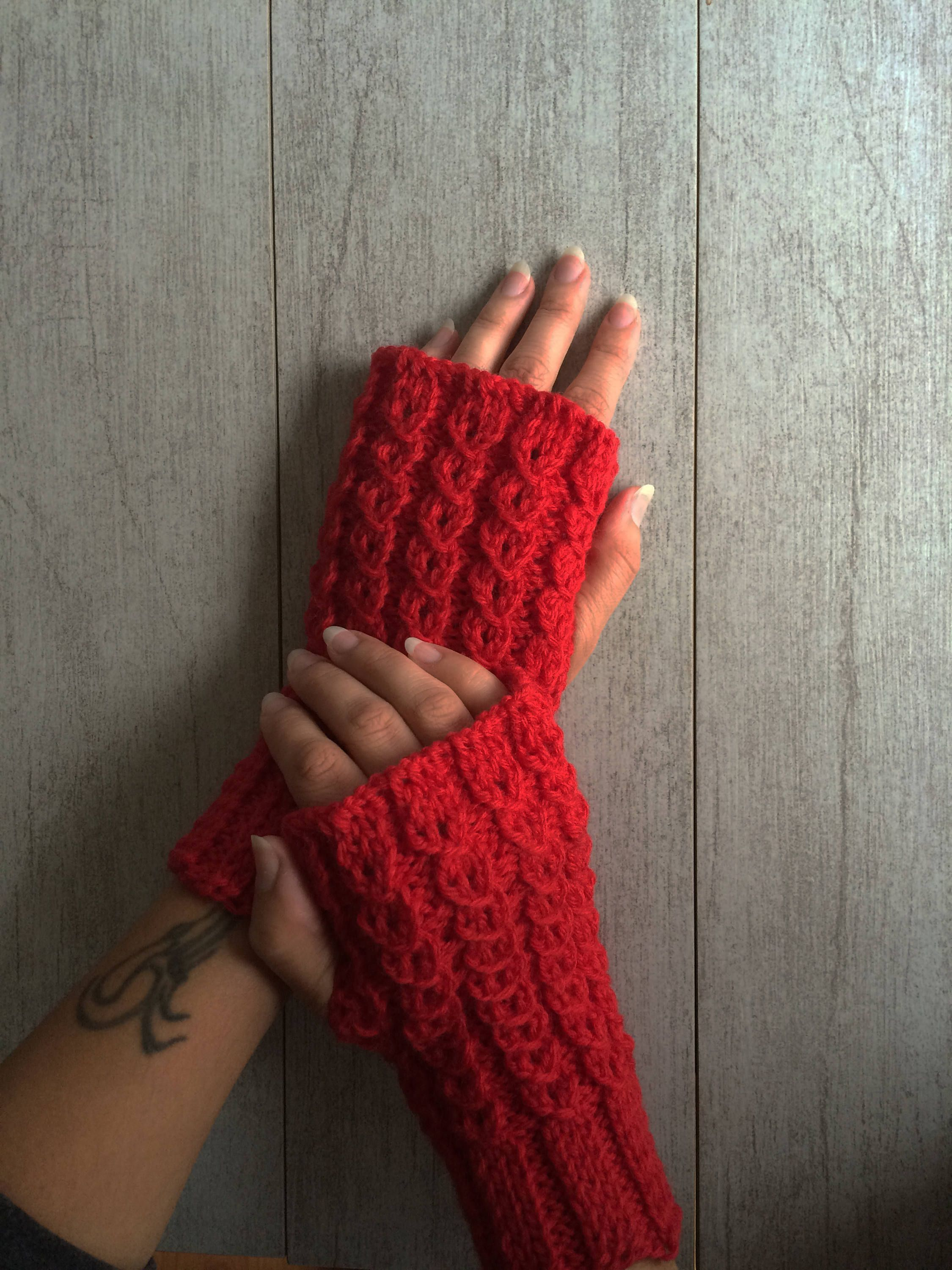Red Knitted Fingerless Gloves Fingerless Mittens Stunning Warm And Cozy Fall And Winter Fashion Women Fingerless Gloves Knitted Fingerless Fingerless Gloves