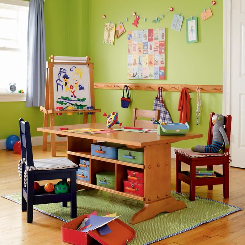 Chair Rail Level Part - 35: Love This Room Set-up: Hooks At Chair-rail Level, Art Table