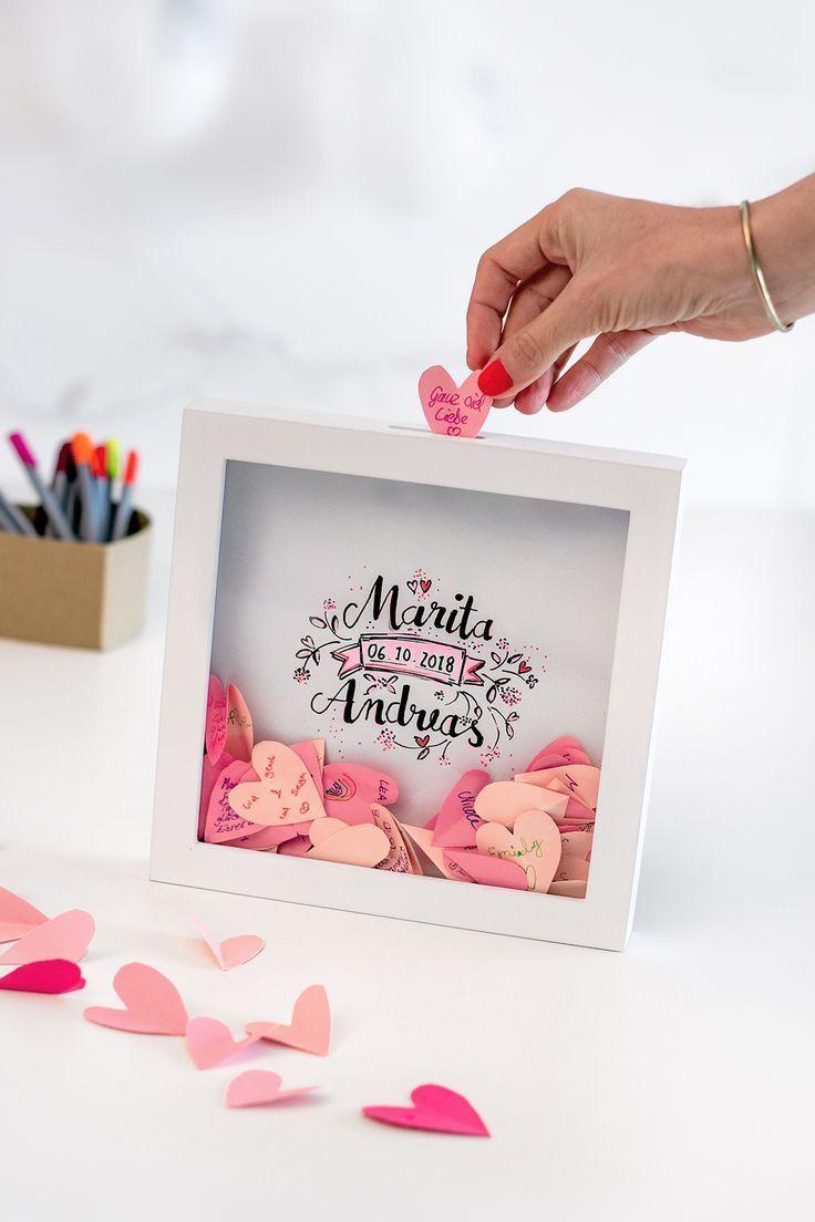 Das etwas andere Gästebuch zur Hochzeit: Herzige Glückwünsche im Bilderrahmen