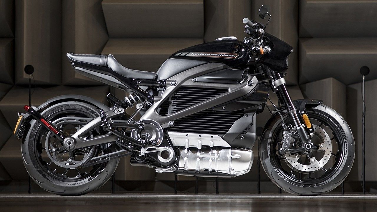 Harley Davidson Reveals Its First Electric Adventure And Streetfighter Motorcycles Electric Motorcycle Motorcycle Harley Harley Davidson Crafts