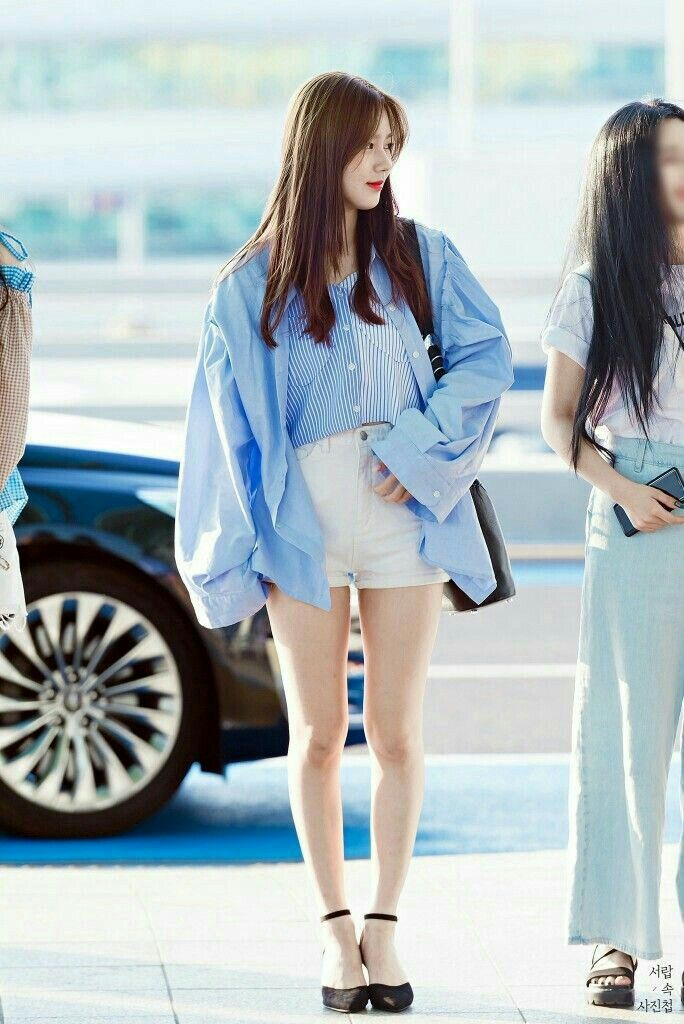 Miyeon Kpop G I Dle Gidle Idle G I Dle Fashion Korean Airport Fashion Kpop Fashion
