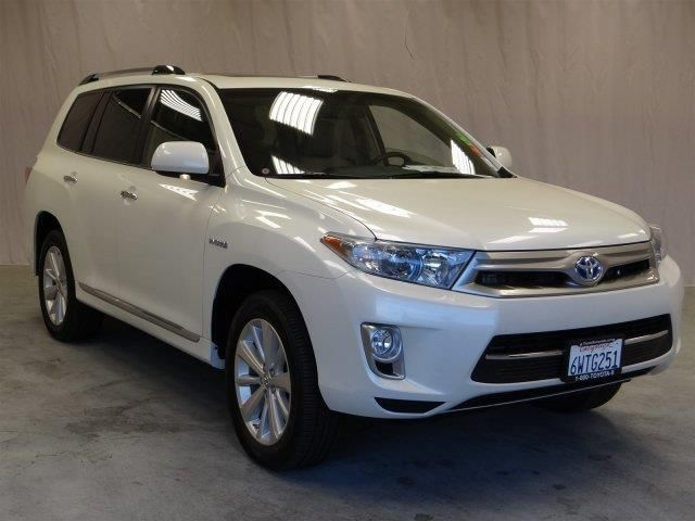 2013 Toyota HighlanderHybrid Limited AWD Limited 4dr SUV SUV 4 Doors Blizzard Pearl for sale in Sunnyvale, CA Source: http://www.usedcarsgroup.com/used-toyota-for-sale-in-sunnyvale-ca