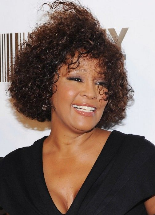 Whitney Houston Short Curly Hairstyle For Black Women Black Women Hairstyles African American Hairstyles Curly Hair Styles
