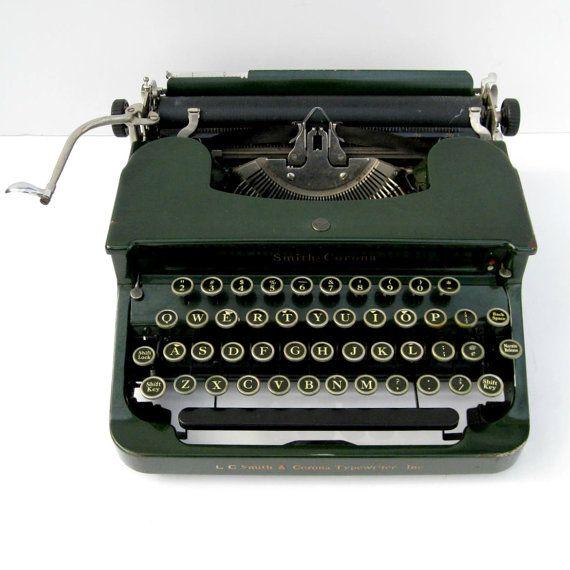 Green 1932 Smith Corona Typewriter On Etsy Oh My Beautiful Maquina De Escribir Escribir