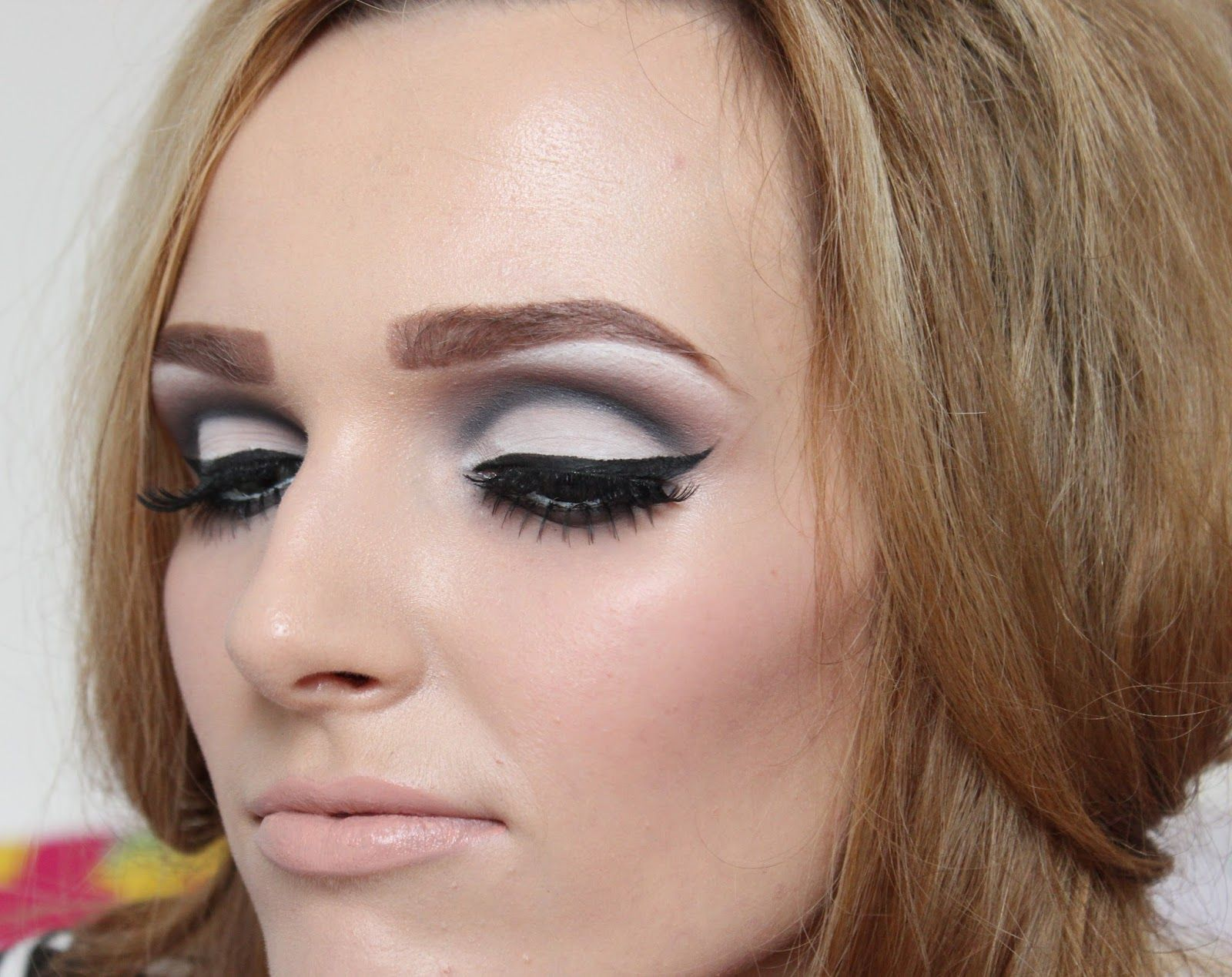 Coleyyyful: A Beauty & Fashion Blog: Modern 1960's Makeup