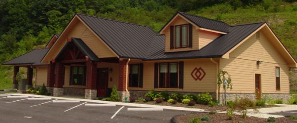 Best Color Metal Roofing Burnished Slate Metal Roof Houses Metal Roof Roof Styles 400 x 300