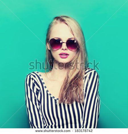 Sunglass Glamour Girl Fotos, imágenes y retratos en stock   Shutterstock