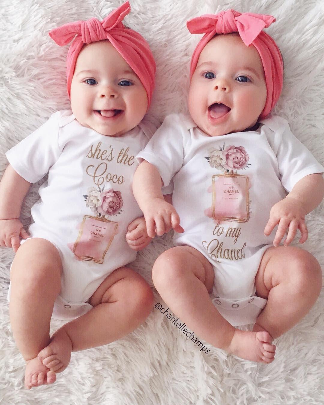 Картинки маленькие дети близняшки
