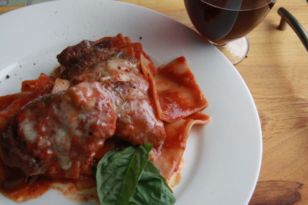 Friday Night Treat: Slowcooker Chicken Parm Healthy, fast and almost effortless