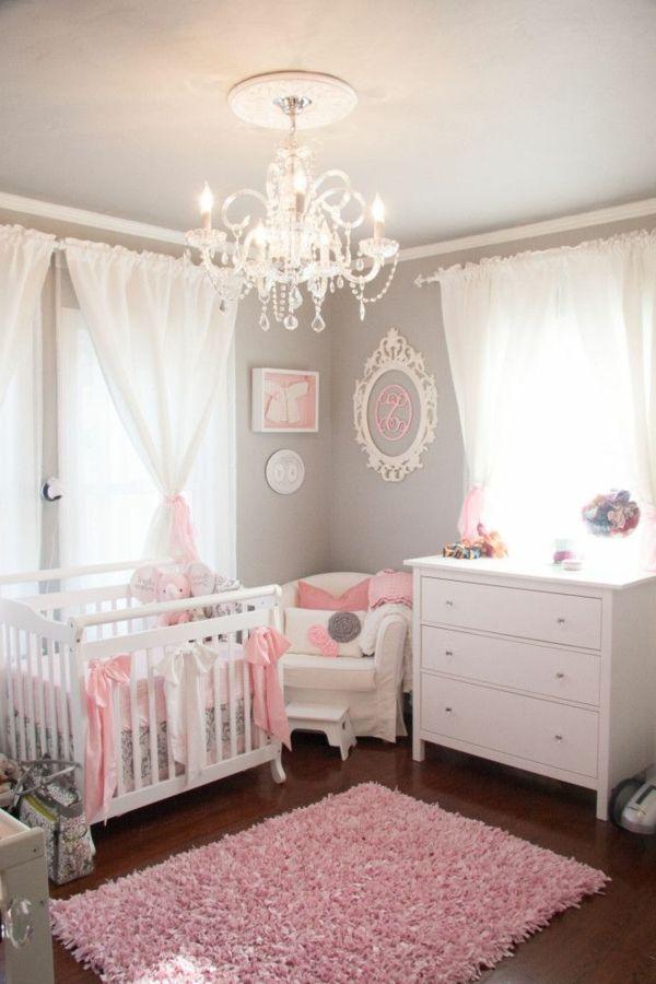 chambre de bebe fille pour celles qui revent d etre princesses lustre cristale