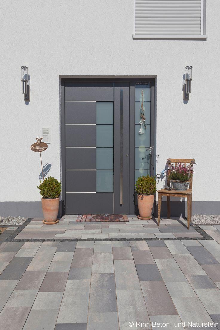 Schone Idee Den Eingangsbereich Mit Haustur Vom Hof Und Parkplatz