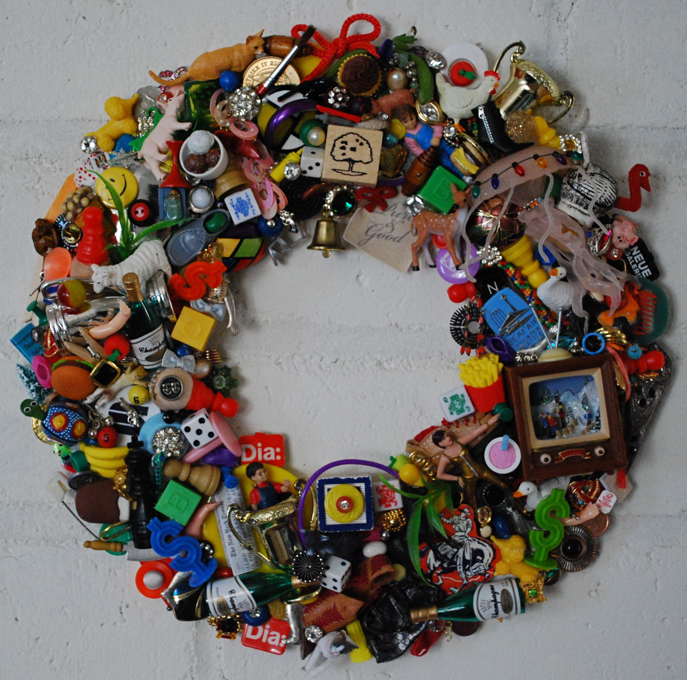 30 Fun Diy Repurposed Toys Ideas Crazy Wreath Lady