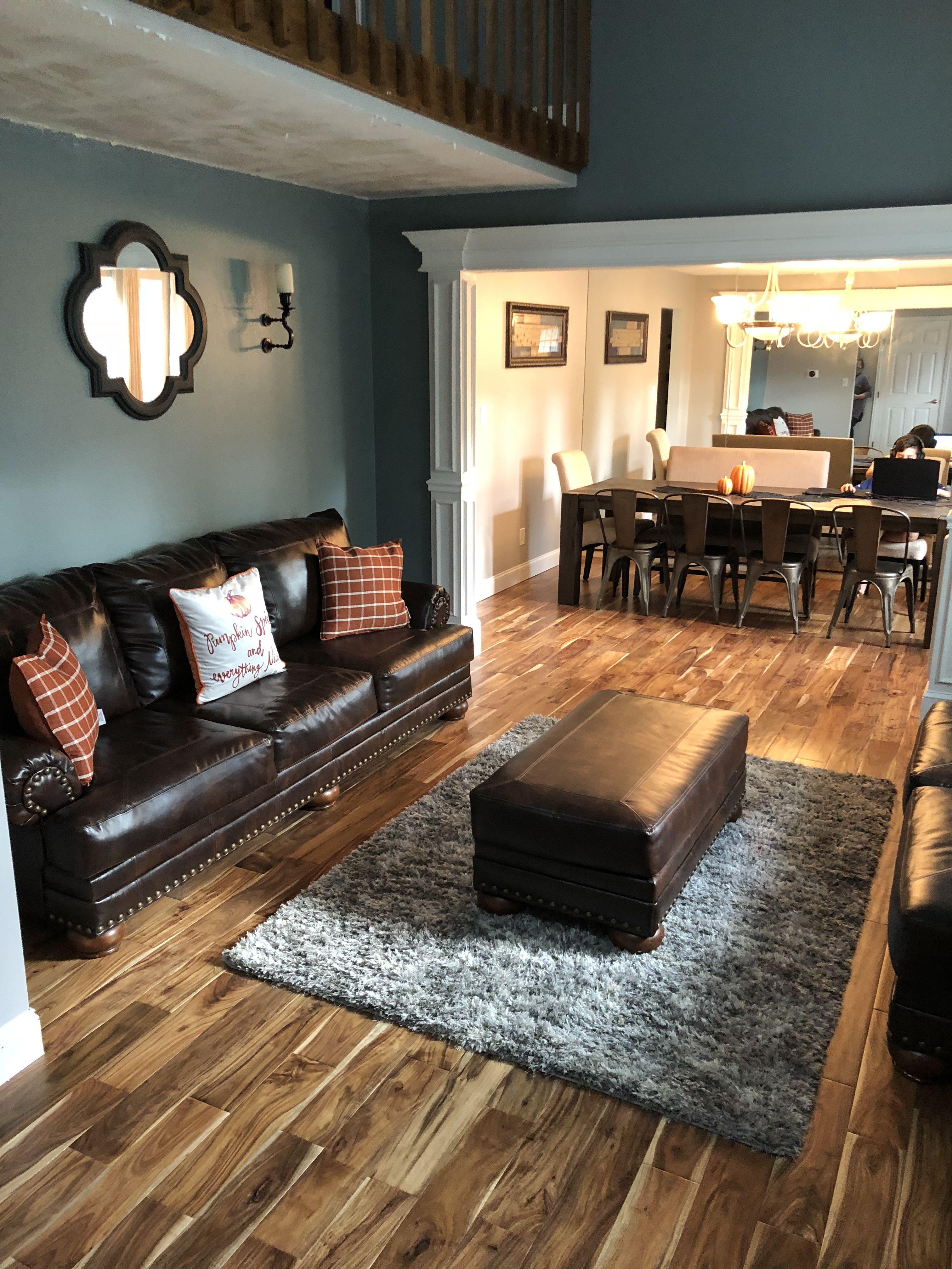 10+ Amazing Vinyl Flooring Ideas Living Room