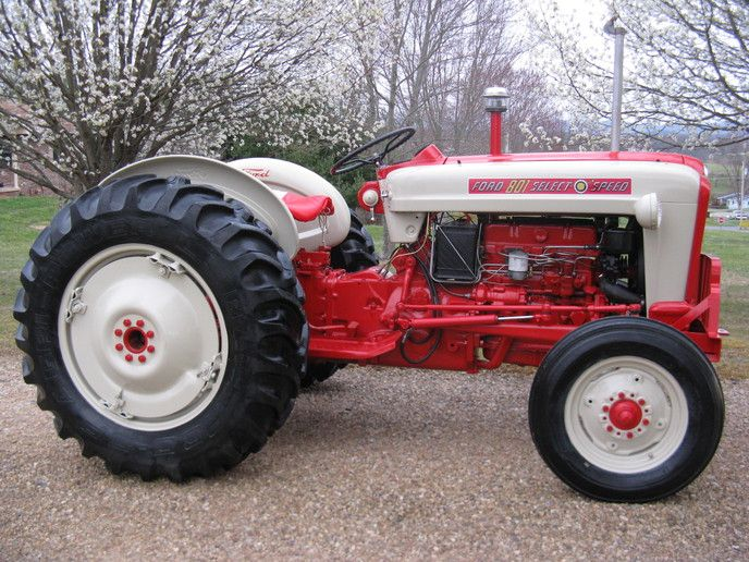 900 Ford Tractors Ideas In 2021 Ford Tractors Tractors Ford