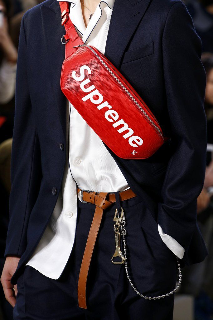 precio de calle 50-70% de descuento ventas al por mayor Louis Vuitton x Supreme Is Already Creating a Fashion Frenzy ...