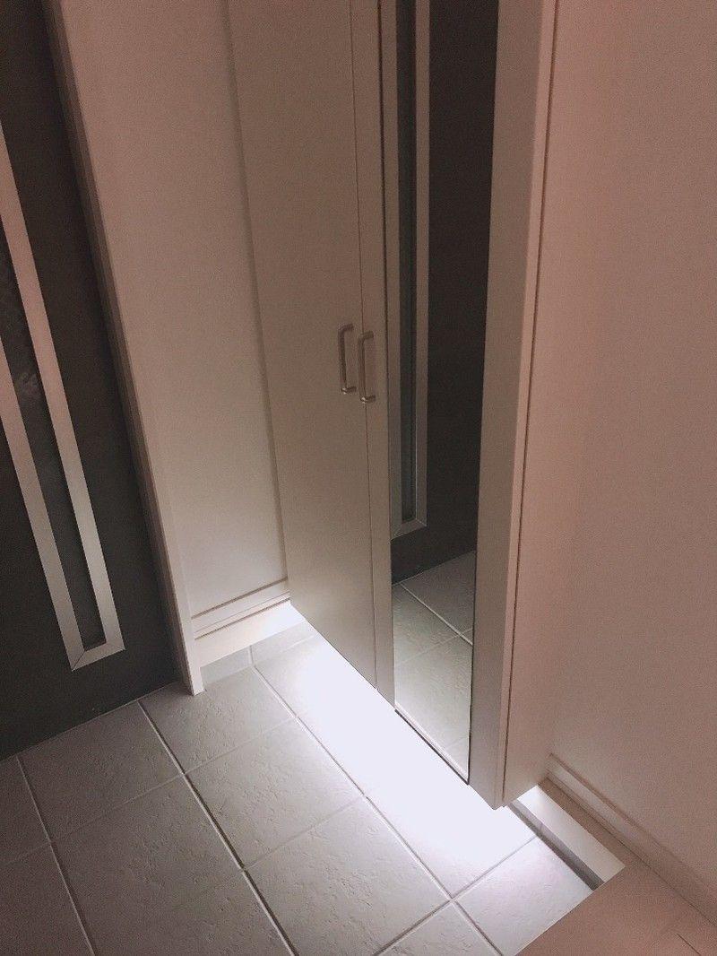 安くで手に入るledテープで 玄関をおしゃれに変身 玄関 内装