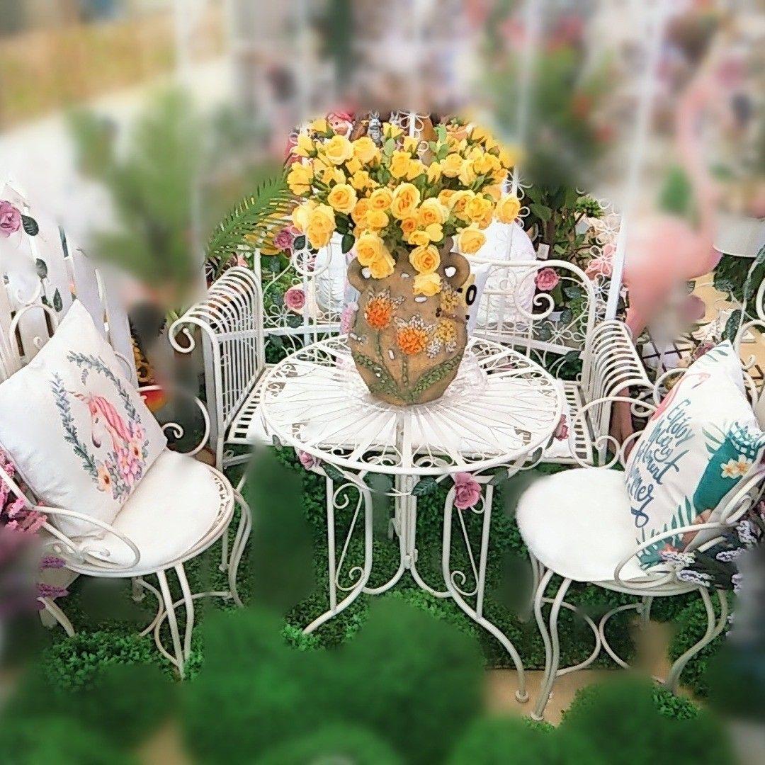 For Sale Garden Table Green Color With 3 Chair Price 35 Bd للبيع طاولة طعام