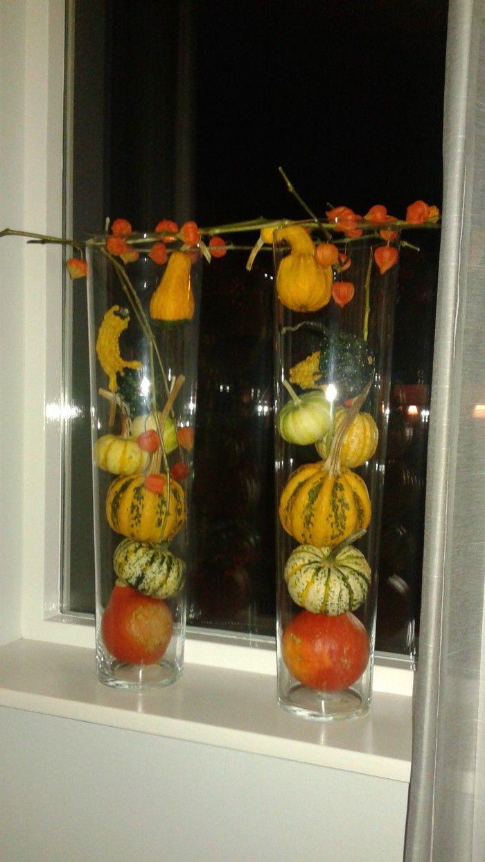 2 hoge glazen vazen van de action met pompoenen for Decoratie herfst
