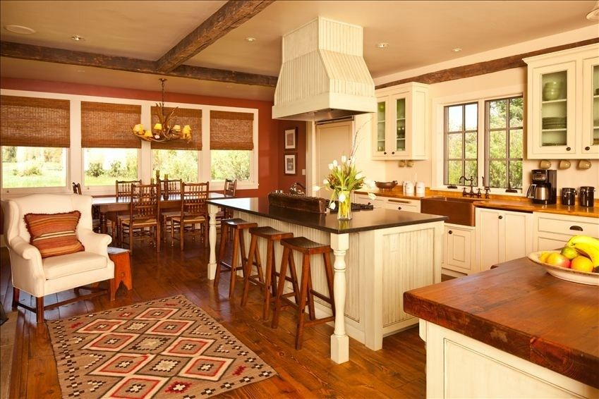 Enjoy a wood burning fire in the gourmet kitchen with a 6